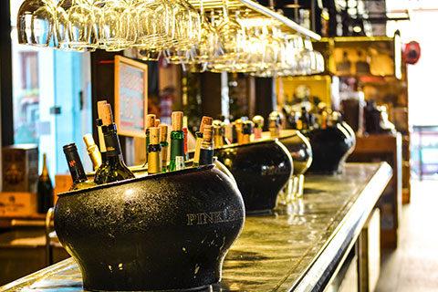 bar-cauldrons